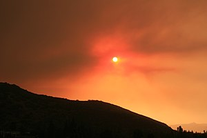 October 2007 California wildfires - Smoke filling the sky at sunrise, on October 22, 2007.
