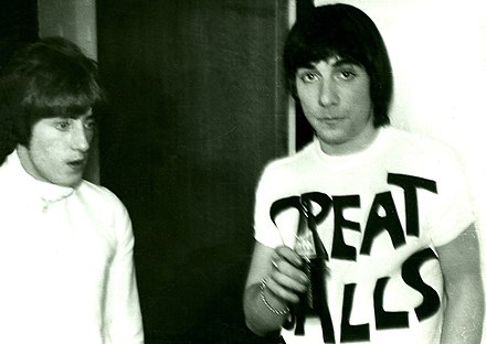Roger Daltrey (left) and Keith Moon, 1967 Roger Daltrey -left and Keith Moon-right 1967.jpg