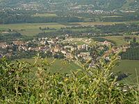 Saint-Jean-en-Royans from the east.jpg