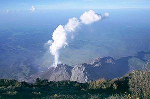 Santa María (volcano) - Santiaguito side cone from the summit of Santa María
