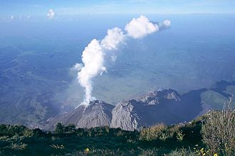 Santa María (volcano) - Santiaguito side cone from the summit of Santa María