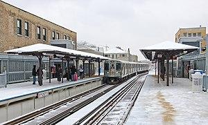 Sedgwick station (CTA) - Image: Sedgwick CTA 080101