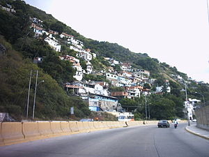 Vargas (state) - Shanty town in Vargas state