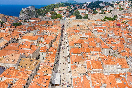 Shopping street Stradun in the historical center of Dubrovnik, Croatia (48613019536)