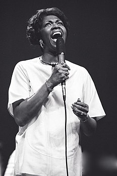 Un'immagine di Cissy Houston risalente al 1975.