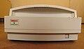 Skener UMAX PowerLook II, zepředu.JPG