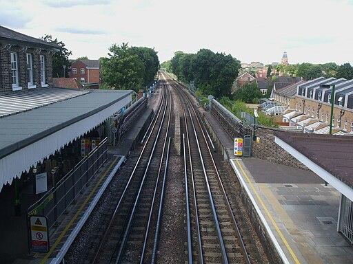 Snaresbrook station high northbound