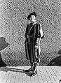 Soldaat poseert in dagelijks tenue, Bestanddeelnr 191-1309.jpg