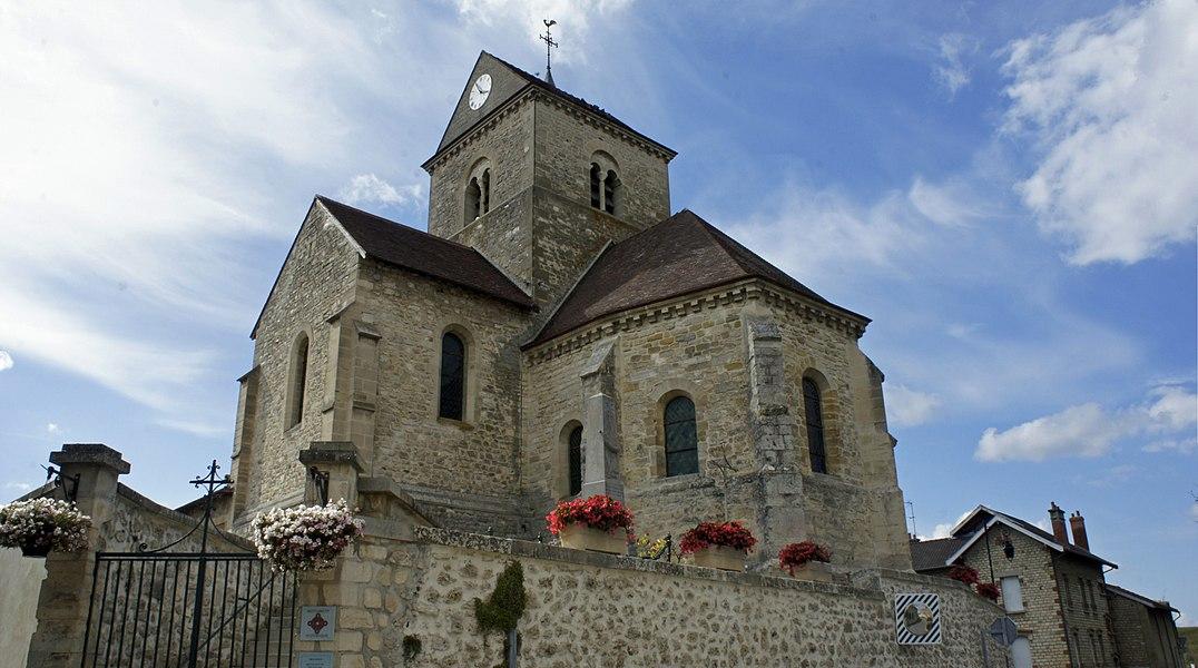 Vue de l'église St-Loup de Thillois.