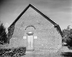 St. Thomas' Church Bath Beaufort County North Carolina by Frances Benjamin Johnston.jpg