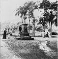 StateLibQld 1 16382 Drinking fountain in the Botanic Gardens in Brisbane, ca. 1910.jpg