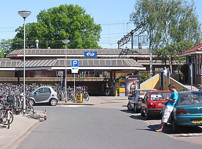 How to get to Station Ede-Wageningen with public transit - About the place