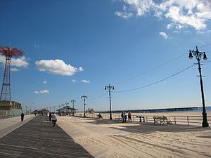 Riegelmann Boardwalk - Image: Steeplechase Pier