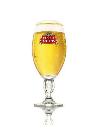 Stella Artois - Image: Stella Artois chalice filled
