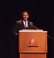 220px Steve Young talking to YSAs Steve Young
