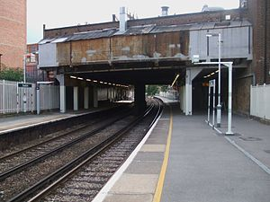 Streatham railway station - Image: Streatham station look south