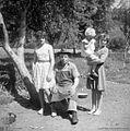 Strle Janez, Vrhnika, z družino 1962.jpg