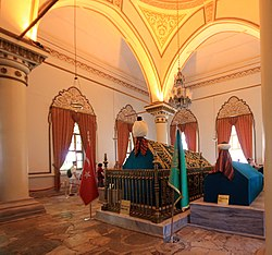 Sultan Orhan tomb Bursa Turkey 2013 3.jpg