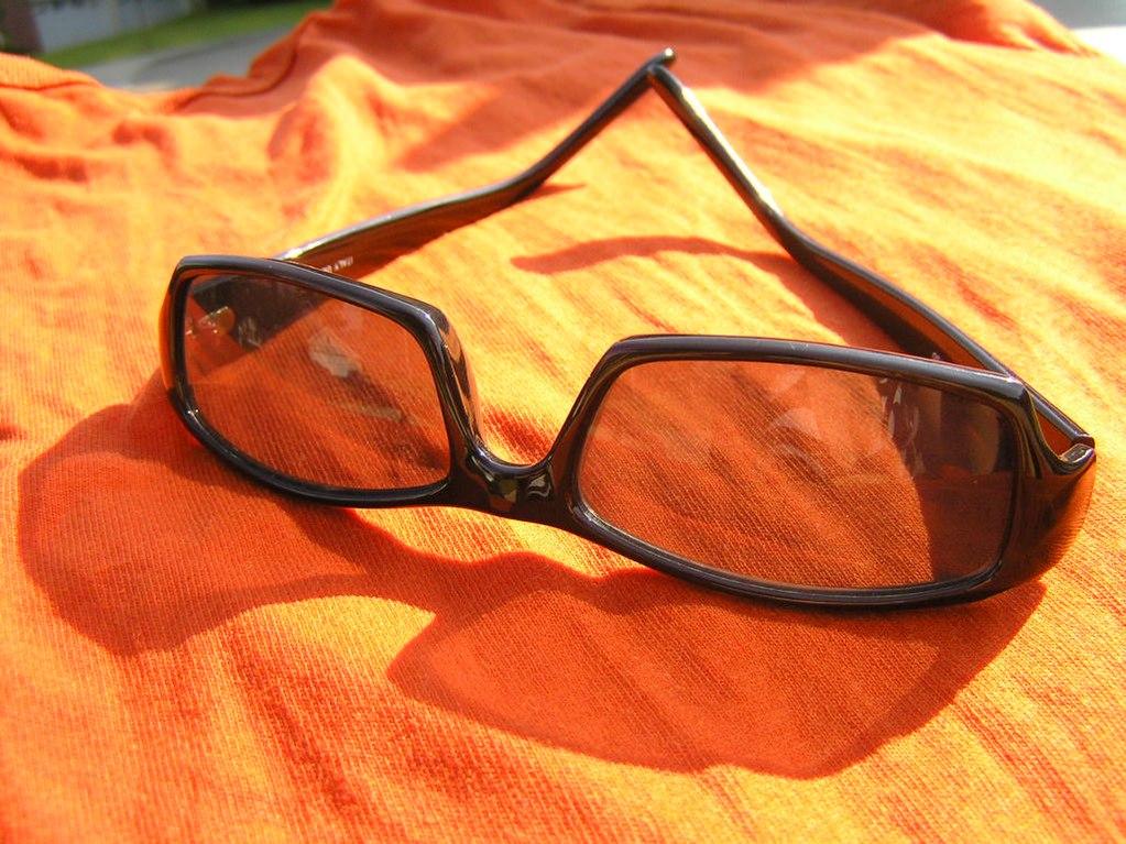 7f541db76b Gafas de sol - La información completa y la venta en línea con envío  gratis. Ordene y compre ahora por el precio más bajo en la mejor tienda en  línea!