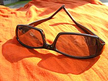 5cd02a0cf6 Gafas de sol - Wikipedia, la enciclopedia libre