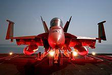 Le Rafale dans l'Indian Air Force - Page 7 220px-Super_Hornet_on_flight_deck