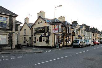 Penrhyndeudraeth - Image: Tafarn y Dderwen, Penrhyndeudraeth Trinity Church, Gwynedd, Cymru 31