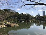 Takueichi Pond in Shukkei Garden 8.jpg