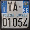 Targa automobilistica Italia 1999 YA 01054 polizia locale Genova motocicletta.jpg