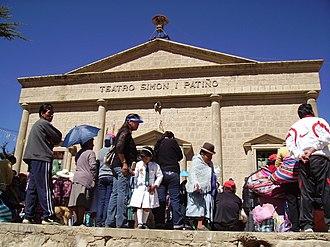 Llallagua - Image: Teatro Simon I. Patiño
