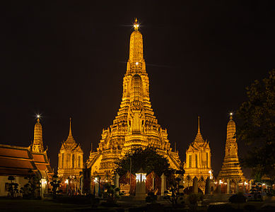 Night view of the Wat Arun Temple, Bangkok, Thailand.