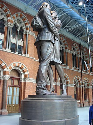 Paul Day (sculptor) - The Meeting Place, St Pancras Station, London