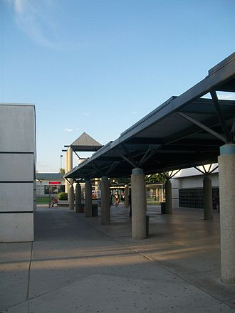 "Stockdale High School (Bakersfield, California) - ""The Spine"", the school's main hallway"