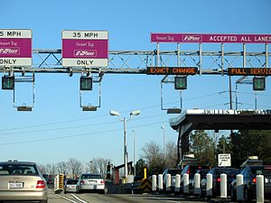 Virginia State Route 267 - Image: Toll plaza on Dulles Toll Road 2