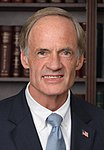 Tom Carper, official portrait, 112th Congress (cropped).jpg