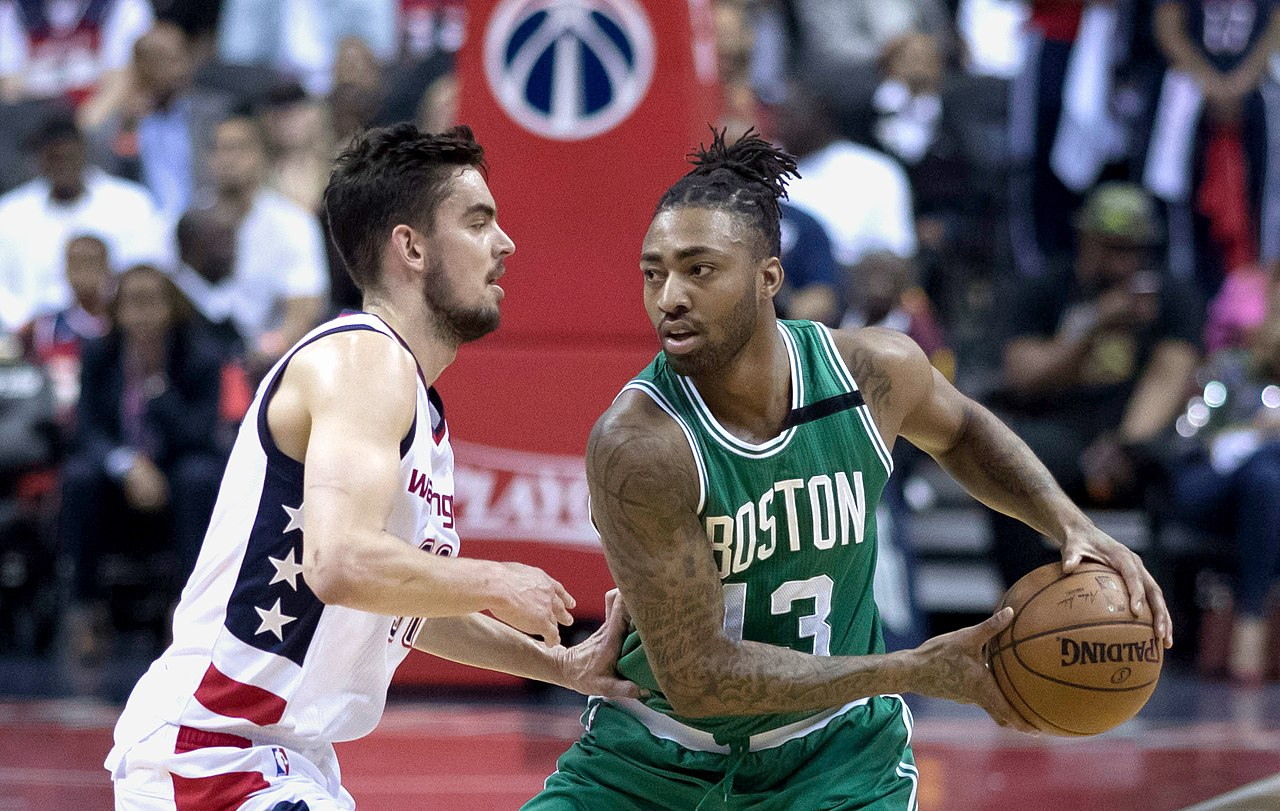File:Tomas Satoransky, James Young (34460617825).jpg ...