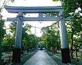 Torii Minatogawa Jinja.jpg
