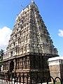 Tower of Jalakandeswarar Temple, Vellore.jpg