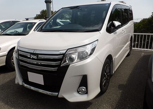 Toyota NOAH Si (R80W) front