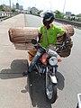 Transport à cotonou sur le pont 01.jpg