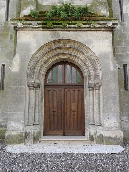 Travecy (Aisne) église, portail