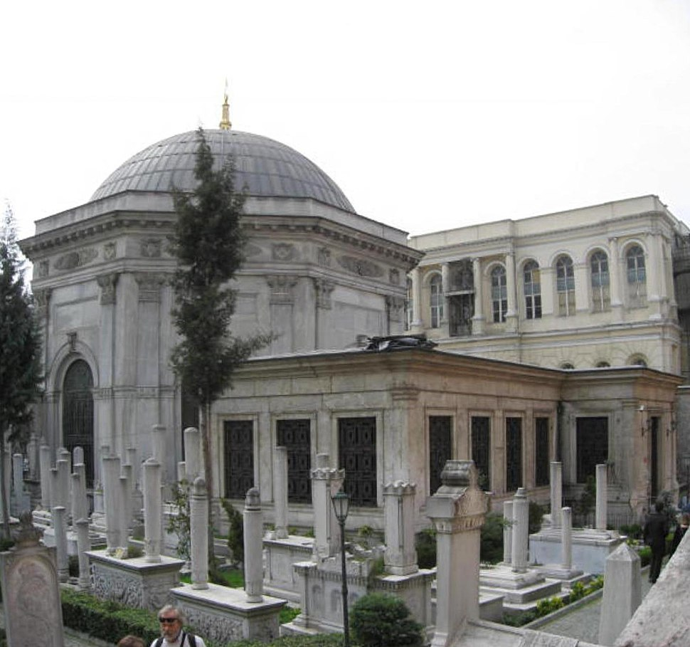 Turbe Sultan Istanbul March 2008pano