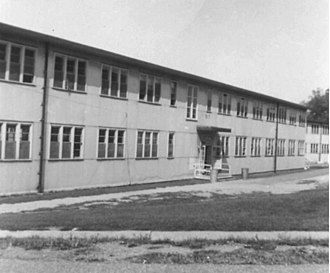 "United States Naval Training Center, Bainbridge - Typical barracks for enlisted personnel attending the Class ""A"" Radioman school (1954)."