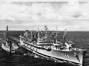 USS Kawishiwi (AO-146) refuels USS Fessenden (DER-142) in the Pacific Ocean on 28 October 1958 (USN 1039377)