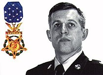 US Army SFC Randall Shughart with medal of honor.jpg