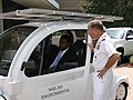 US Navy 110819-N-YZ910-001 Mayor Alvin Brown and Capt. Jeffrey Maclay discuss energy savings.jpg