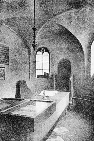 Worms Synagogue - Pre-1938 interior of the Rashi Shul