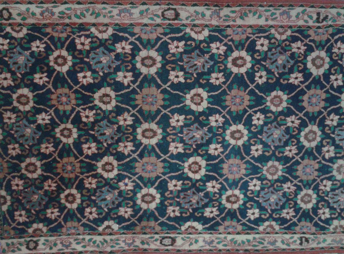 Varamin carpet wikipedia baanklon Choice Image