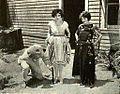 Vera Steadman & Dorothy Devore 1922.jpg