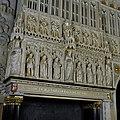 Vertrek 0.19 (balzaal) Interieur, detail- beeldhouwwerk in reliëf van de minstreelgalerij. (de drie grote beelden- geloof, hoop en liefde, de zes kleine beelden- personificaties deugden) - Haarzuilens - 20381140 - RCE.jpg