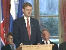 Bestand:Video Recording of the Balkan Peace Agreement Signing - NARA - 6037162.ogv